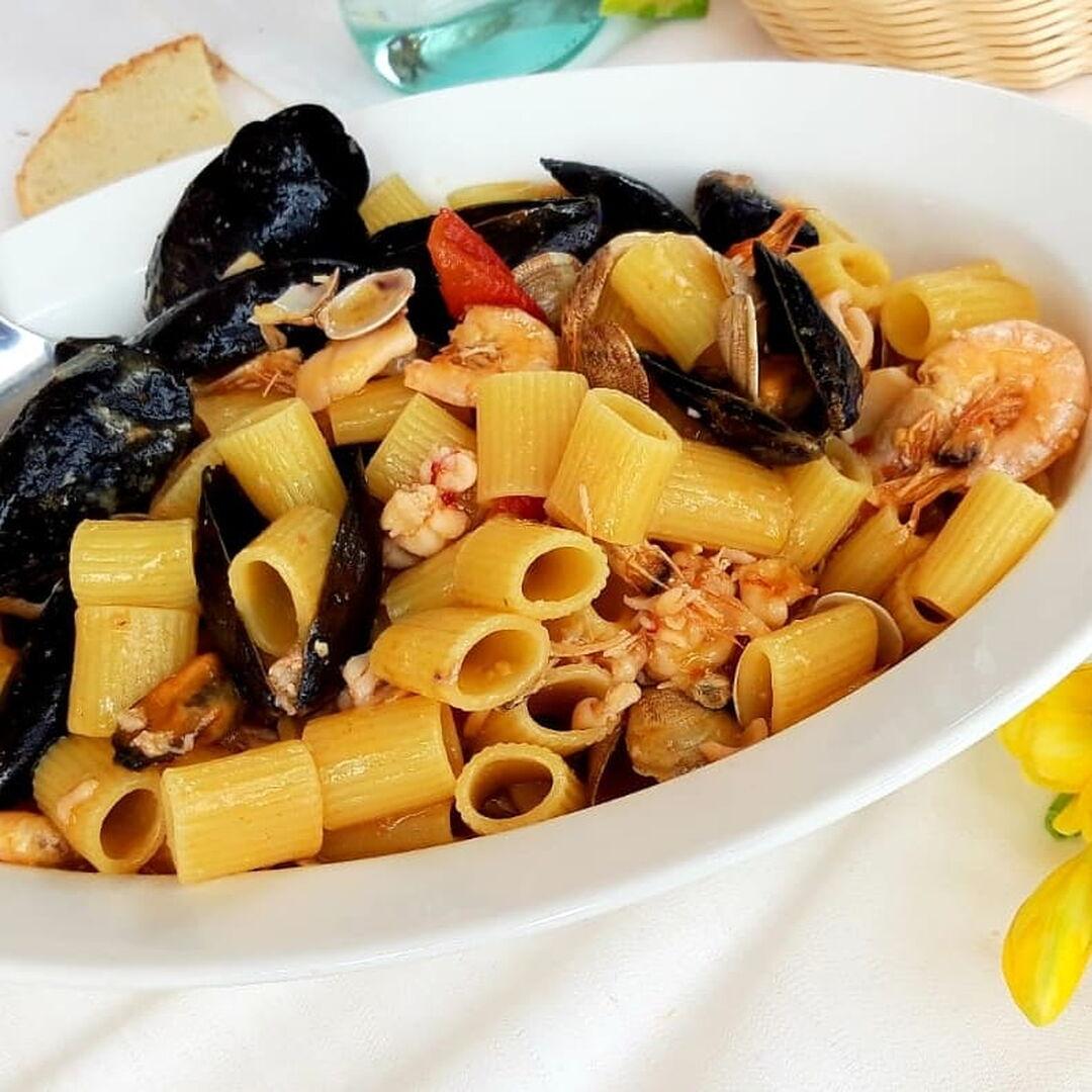 Ristorante Chalet Lido Nordest - Ristorante Di Pesce - Pizzeria - Spiaggia - Mare - Grottammare - San Benedetto Del Tronto - Ascoli Piceno - Marche - Mezza Manica Allo Scoglio