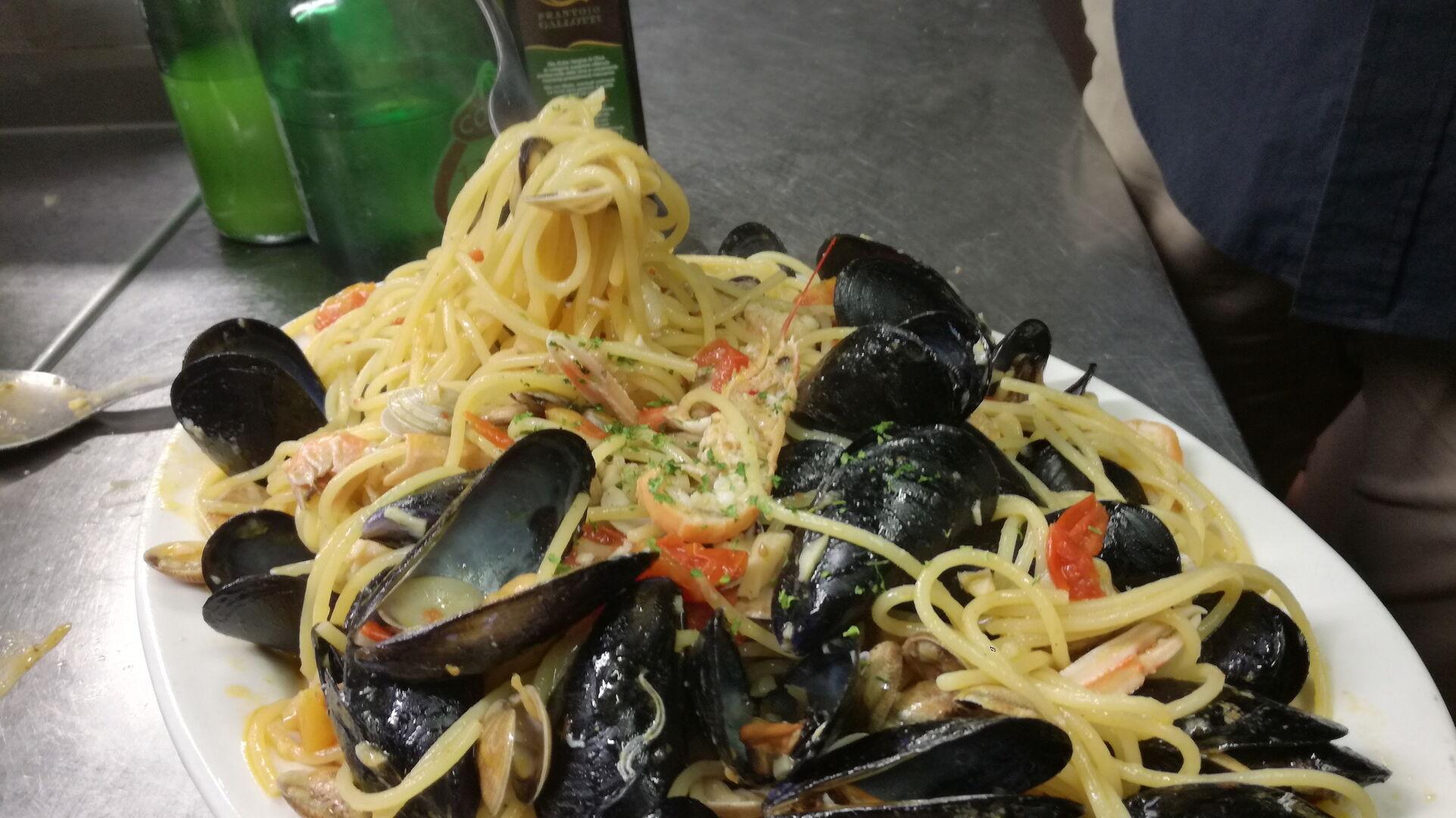 Ristorante Chalet Lido Nordest - Ristorante Di Pesce - Pizzeria - Spiaggia - Mare - Grottammare - San Benedetto Del Tronto - Ascoli Piceno - Marche - Spaghetti Allo Scoglio