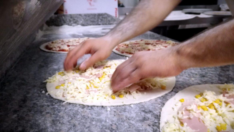 Pizze In Preparazione Ristorante Chalet Lido Nordest Ristorante Di Pesce Pizzeria Spiaggia Mare Grottammare San Benedetto Del Tronto Ascoli Piceno Marche 2