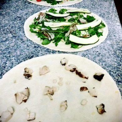 Prepariamo la pizza Ristorante Chalet Lido Nordest Ristorante Di Pesce Pizzeria Spiaggia Mare Grottammare San Benedetto Del Tronto Ascoli Piceno Marche