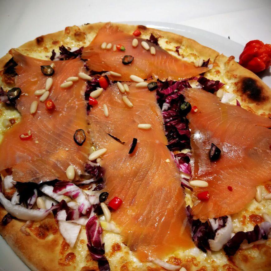 Salmone Radicchio E Pinoli Ristorante Chalet Lido Nordest Ristorante Di Pesce Pizzeria Spiaggia Mare Grottammare San Benedetto Del Tronto Ascoli Piceno Marche